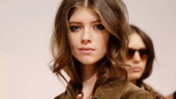 Runway beauty: How to look like a Burberry model